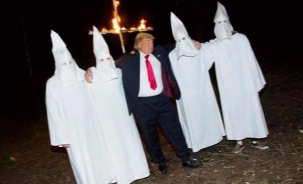 למה מי אתה מר טראמפ? \ אדם קטן