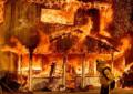 """54 מעלות ב""""עמק המוות"""": גל חום ושריפות במערב ארה""""ב"""
