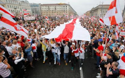 פולין: אושר החוק שיפגע בהשבת רכוש יהודי שנגזל בשואה