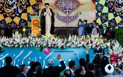במשרד החוץ זועמים: האיחוד האירופי שלח נציג בכיר לטקס השבעת נשיא איראן
